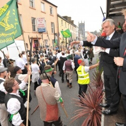 Taoiseach-Enda-Kenny-greets-Irish-Pikemen-durig-the-battle-re-enactment-Castlebar-900x550